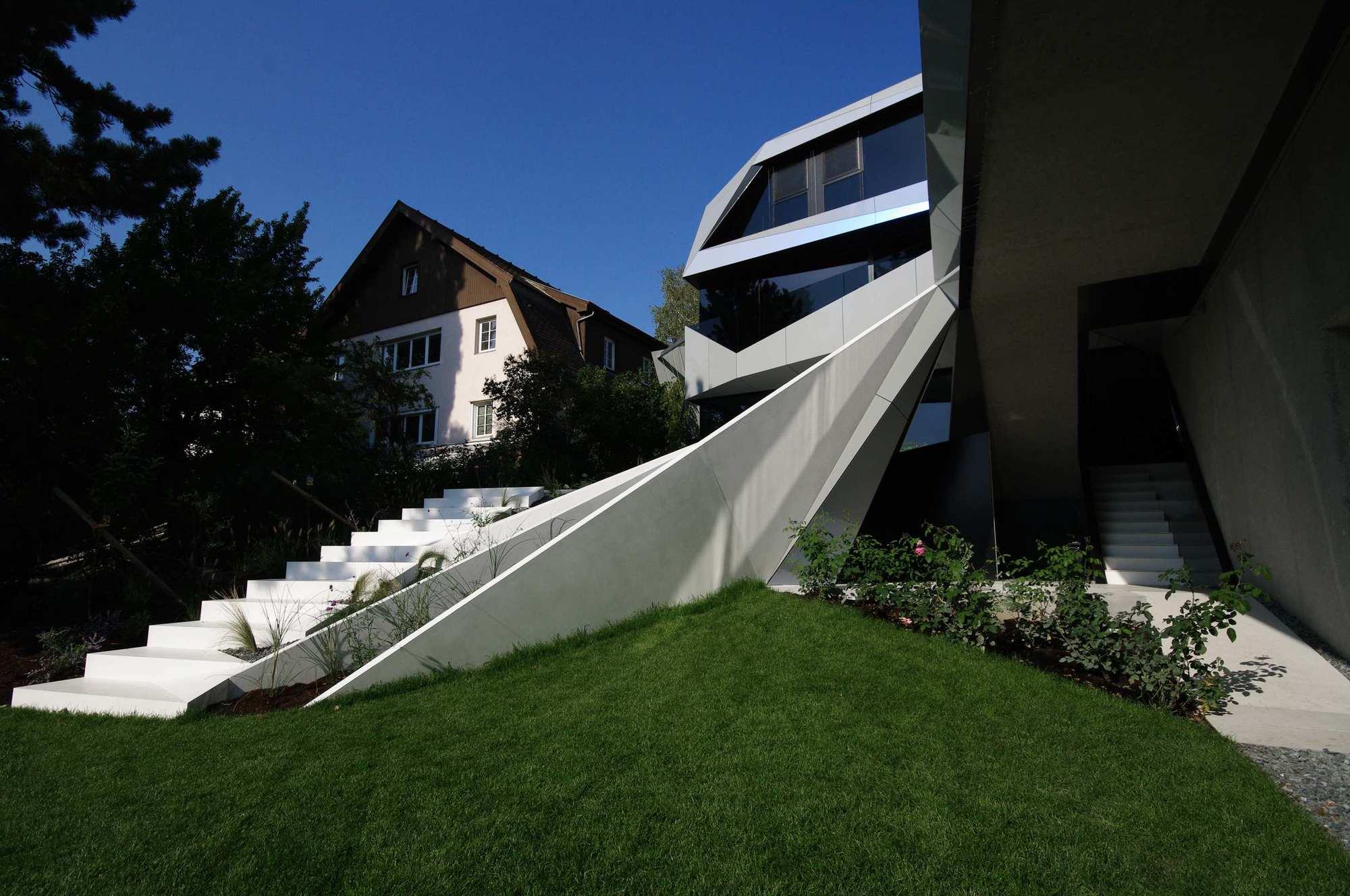 Ломанный оригами как лёд CoMED от студии ad2 architekten ZT KG